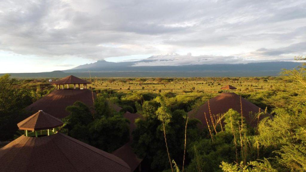 safari-kenia-amboseli-camp-hotel